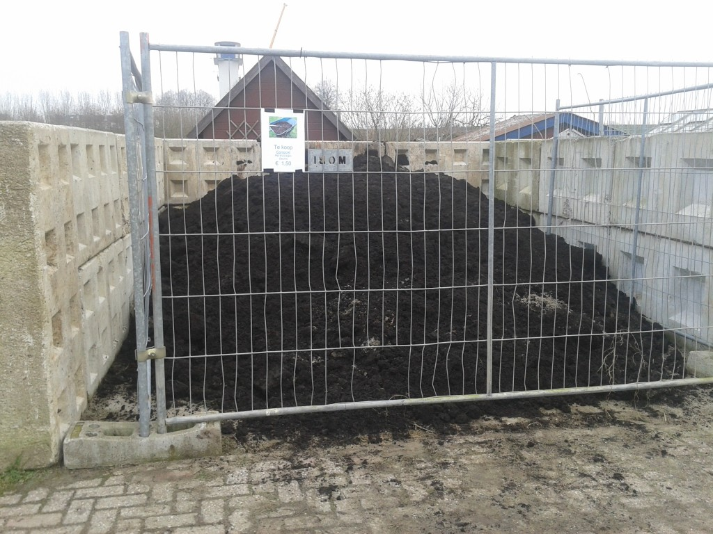Compost tuin amateur tuinvereniging ons belang for Compost tuin